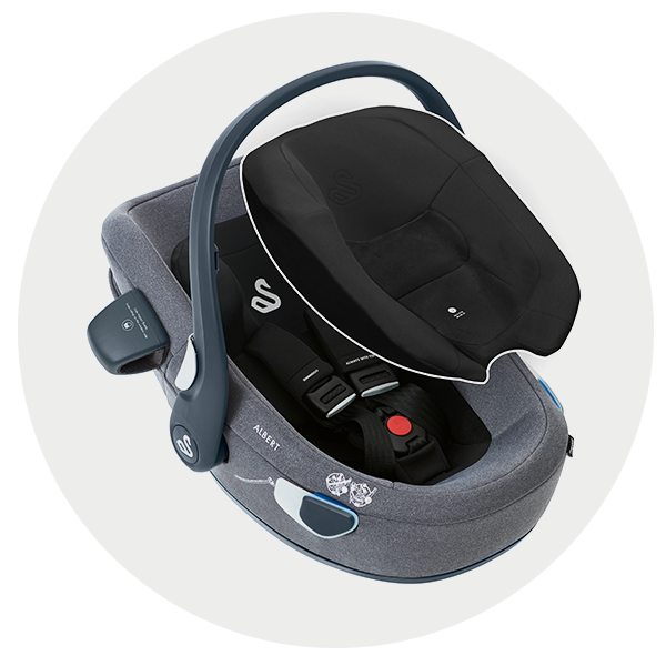 Albert i-Size car seat with the newborn pillow
